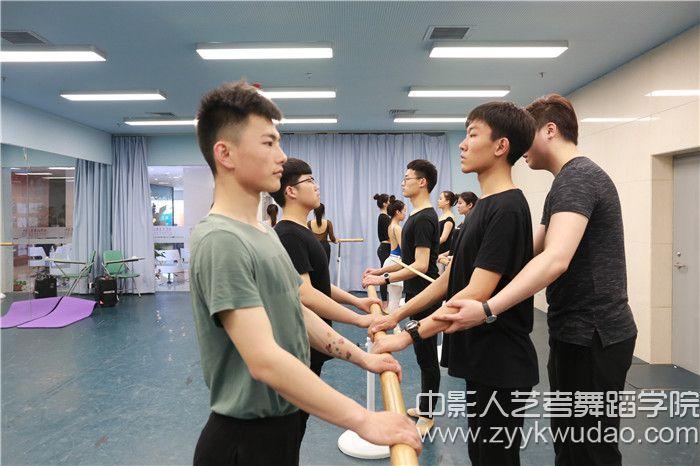 中国舞班上课场景1.jpg
